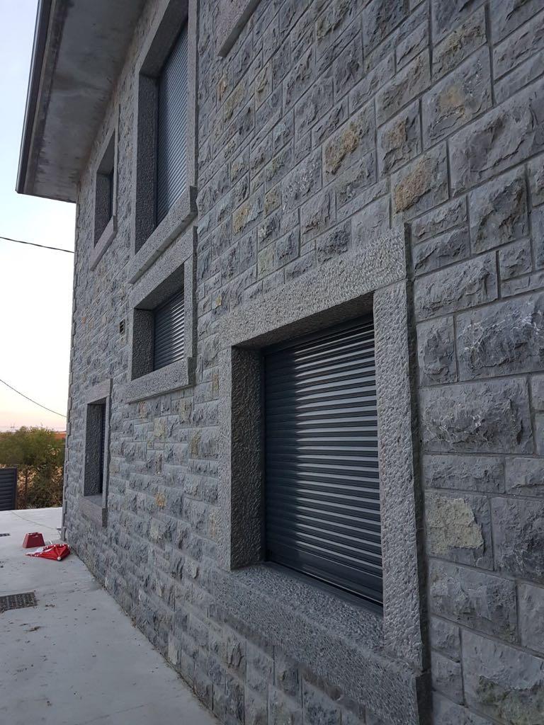 Fabrica venta e instalaci n de piedra natural en le n for Jardines en piedra natural
